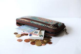 wallet-637042_640.jpg